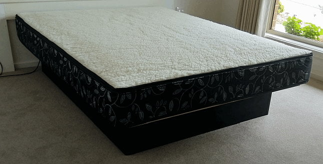 Pedestal base Waterbed
